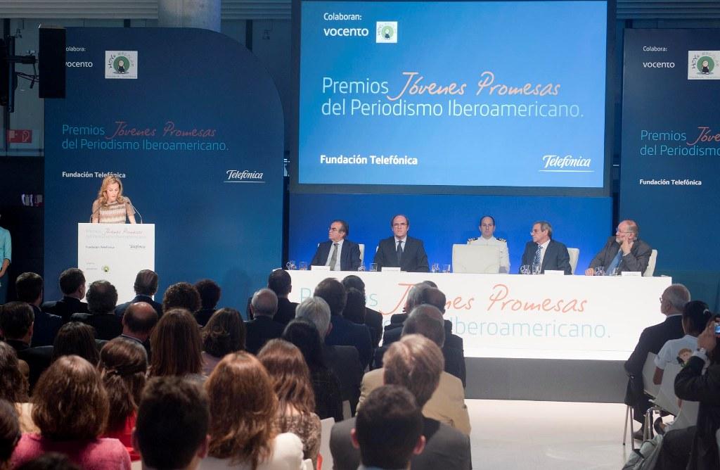 S.A.R la Princesa de Asturias felicitó a los premiados por su esfuerzo y les puso como ejemplo de que la educación es un elemento clave y transformador de la sociedad.