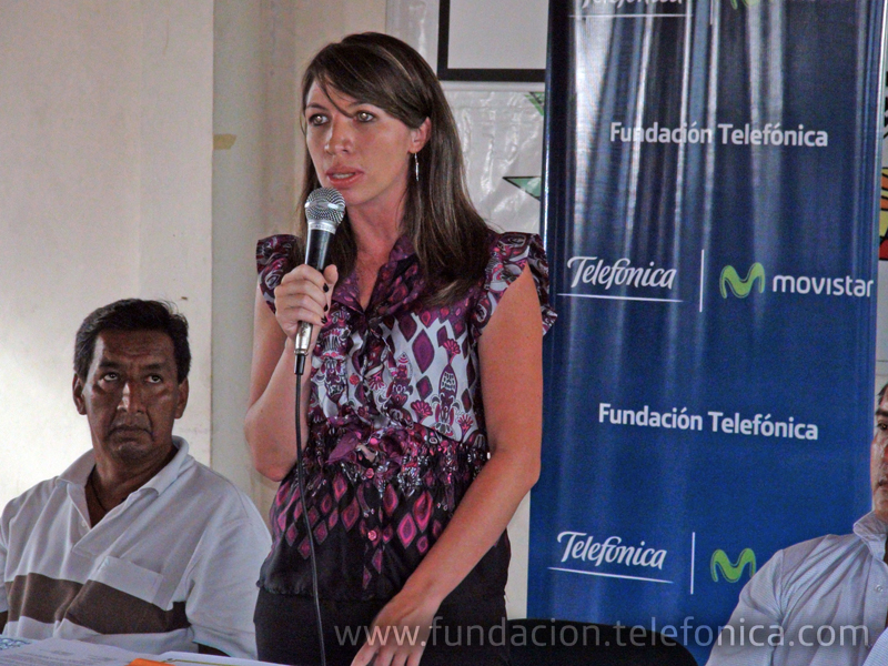Intervención de Patricia Villagómez, Coordinadora de Calidad Educativa de Fundación Telefónica Ecuador y fotografía de grupo de los/as docentes certificados.