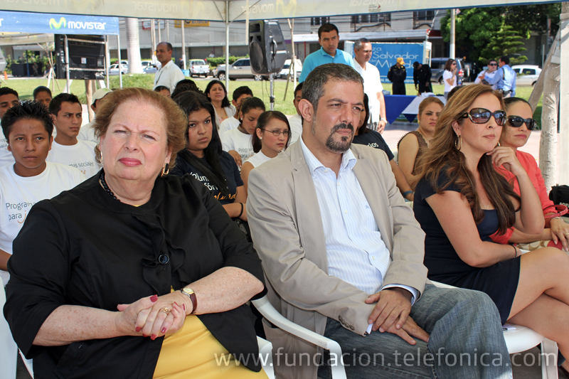 Carmen María Aponte, embajadora de EUA en El Salvador y representantes de OIT y Ministerio de Trabajo en evento de 12 de junio.