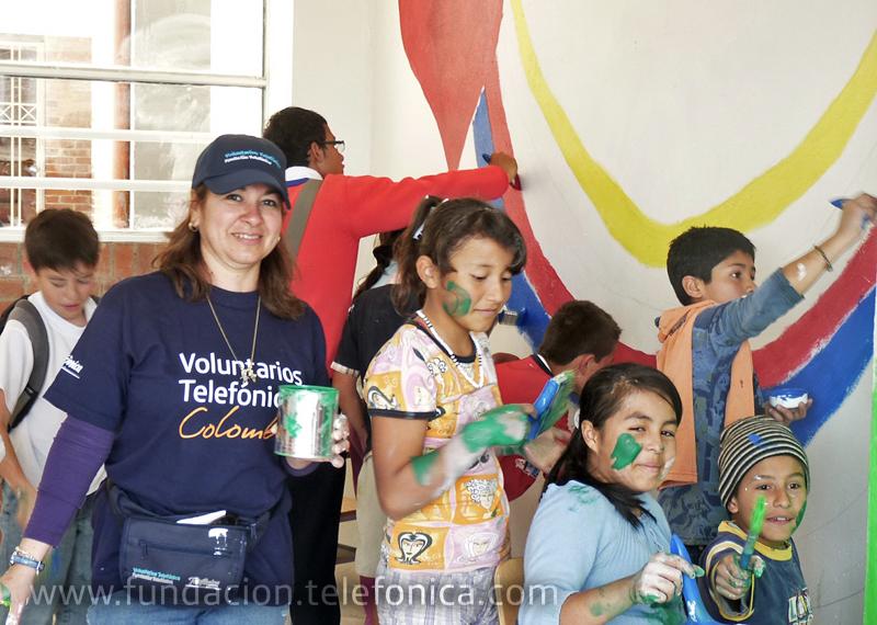 Los Gerentes de Distrito de Telefónica de toda Colombia vivieron una emotiva experiencia con los niños beneficiarios de Proniño y se enfrentaron a un reto vital para favorecer al Instituto Tecnológico de Madrid.