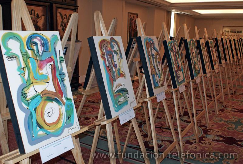 """Coincidiendo con la rueda de prensa, se presentó una exposición de pintura titulada """"Los Derechos de los Niños"""" realizada por el artista Juan Sebastián."""