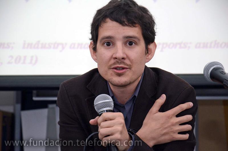 Invitado por Fundación Telefónica, el especialista Cristobal Cobo Romaní brindó una charla gratuita para docentes en Corrientes