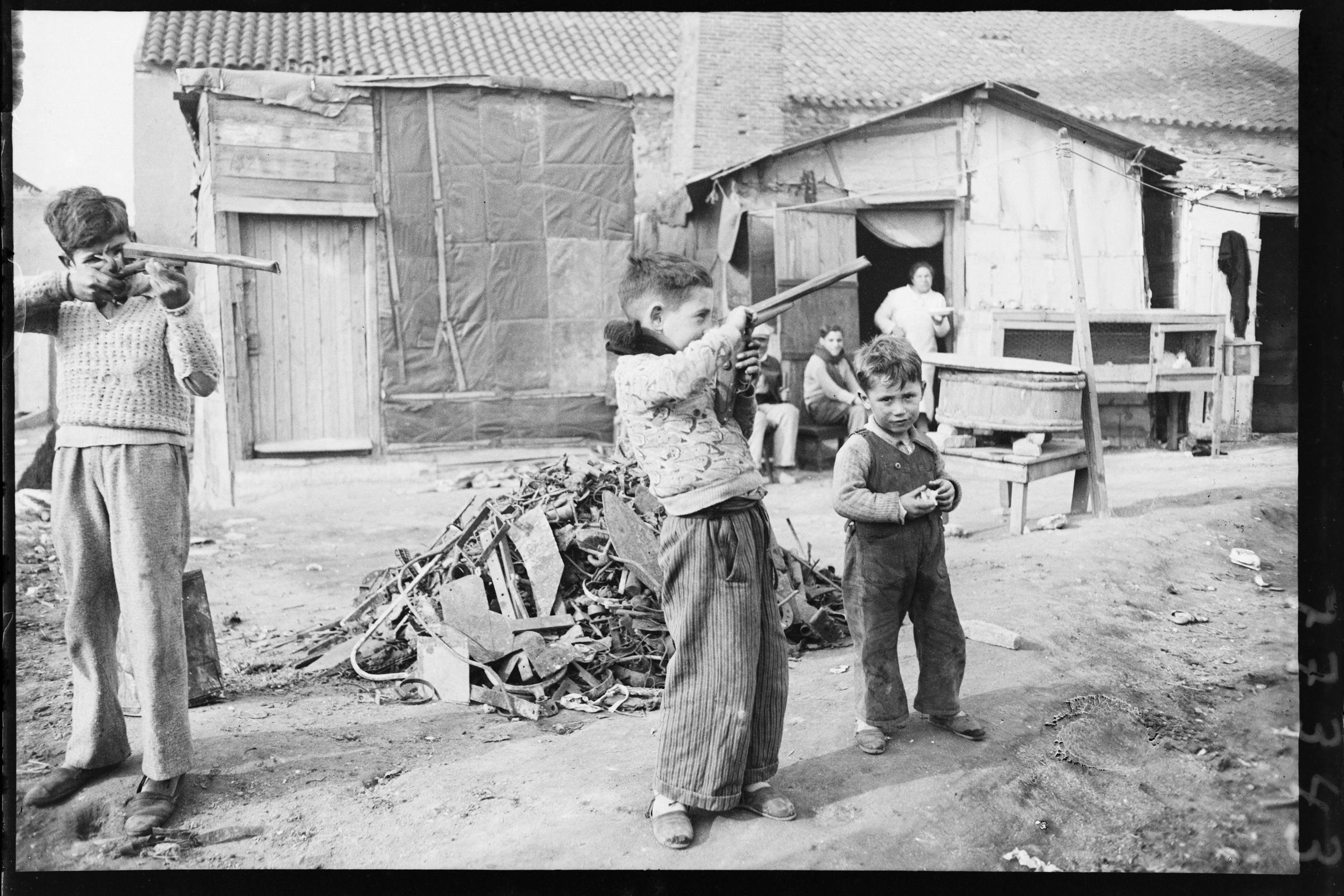 Barracas del barrio de Somorrostro Barcelona, c.1930 © Fondo BRANGULÍ, ANC