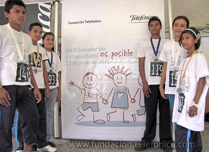 Los ganadores de la carrera celebrada en El Salvador.