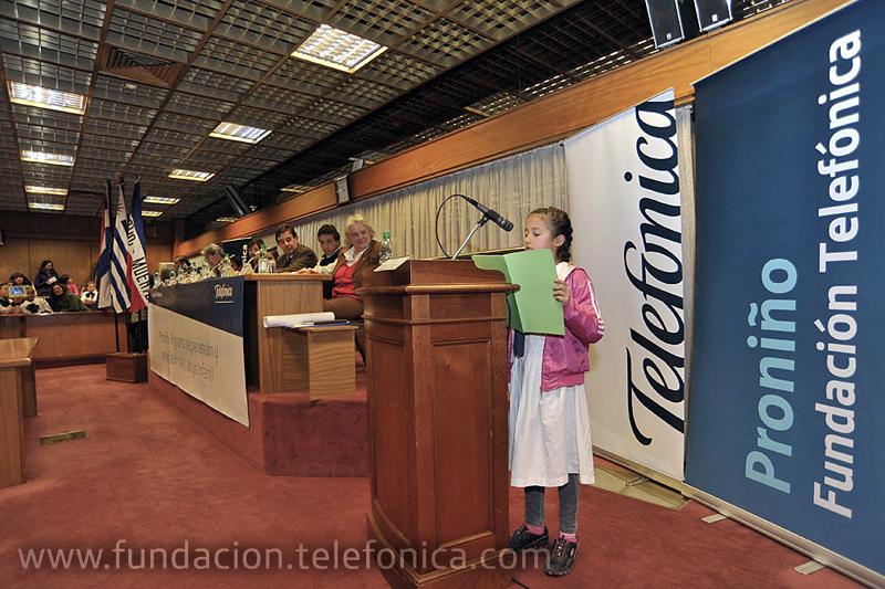 Programa Proniño de Fundación Telefónica realizó varias actividades en el Palacio Legislativo con motivo del Día Mundial contra el trabajo infantil.