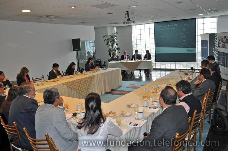 Fundación Telefónica organizó un encuentro dedicado a las grandes oportunidades que plantea el uso de las TIC en la educación.