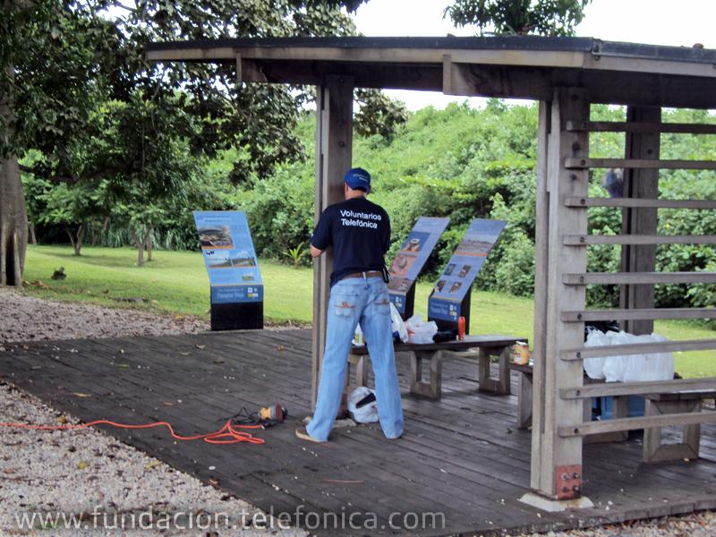 Los voluntarios adecuaron la caseta de visitantes en la playa de Panamá la Vieja.