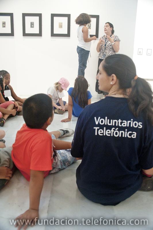 Los niños y niñas junto a los Voluntarios llevaron a cabo trabajos colectivos e individuales sobre la identidad y la autorepresentación.