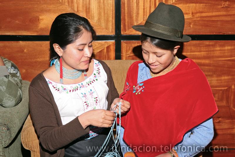 Beliza Toro (derecha) el día de su graduación.