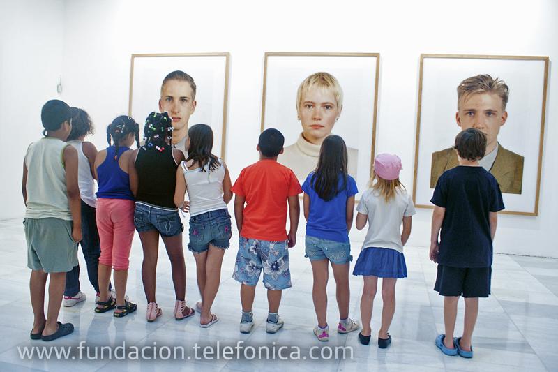 Cuatro Voluntarios de Telefónica ofrecieron a un grupo de niños y niñas en riesgo de exclusión social de la Fundación Balia la oportunidad de disfrutar de unas jornadas de arte y fotografía.