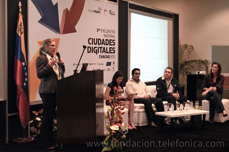 La Gerente General de Fundación Telefónica en Venezuela, Giovanna Bruni, ofreció una conferencia dedicada a la educación 2.0 en el I Encuentro Nacional de Ciudades Digitales, organizado por la Alcaldía de Chacao en Caracas.