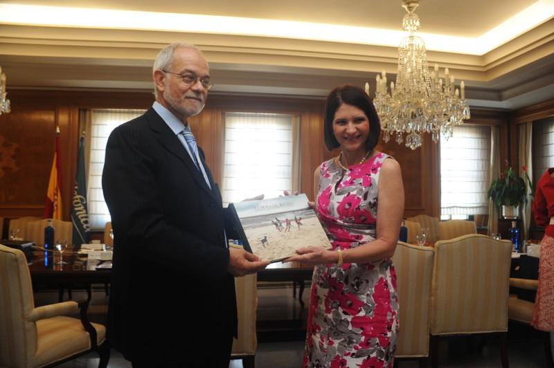 Javier Nadal, Vicepresidente Ejecutivo de Fundación Telefónica junto a La Primera Dama de Panamá, Dña. Marta Linares de Martinelli