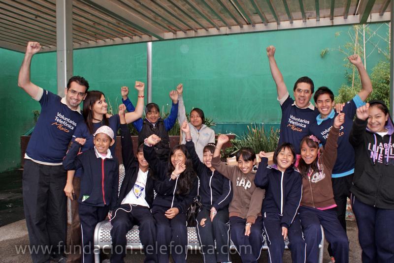 Los Voluntarios Telefónica desempeñaron diferentes funciones en el torneo, ejerciendo de entrenadores y también de árbitros.