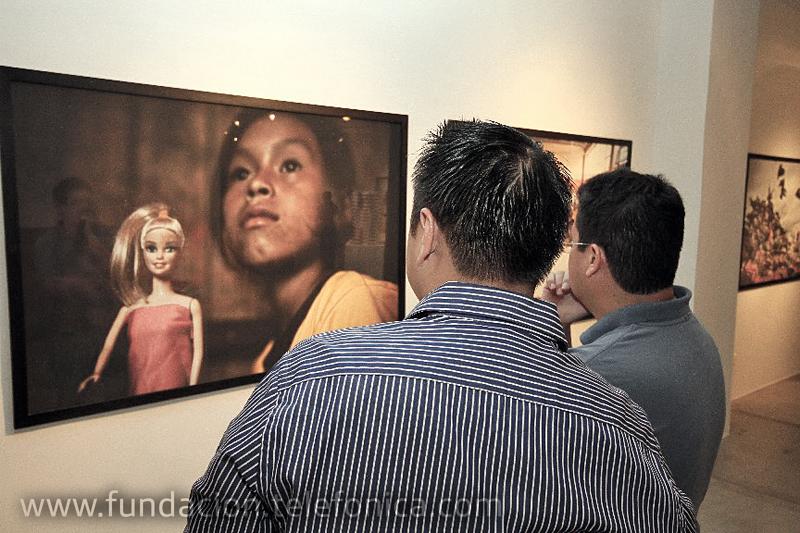 A través de este libro Fundación Telefónica hace visible la realidad social de más de 14 millones de niños, que se ven obligados a trabajar en Latinoamérica, según datos de la OIT.