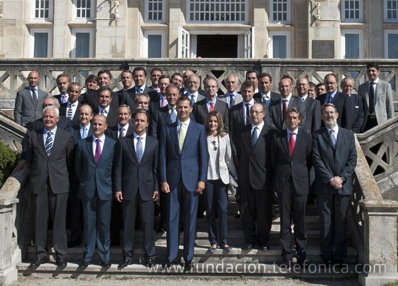 S.A.R los Príncipes de Asturias junto al resto de autoridades y personalidades presentes en la inauguración del XXV Encuentro de las Telecomunicaciones, celebrado en la UIMP.