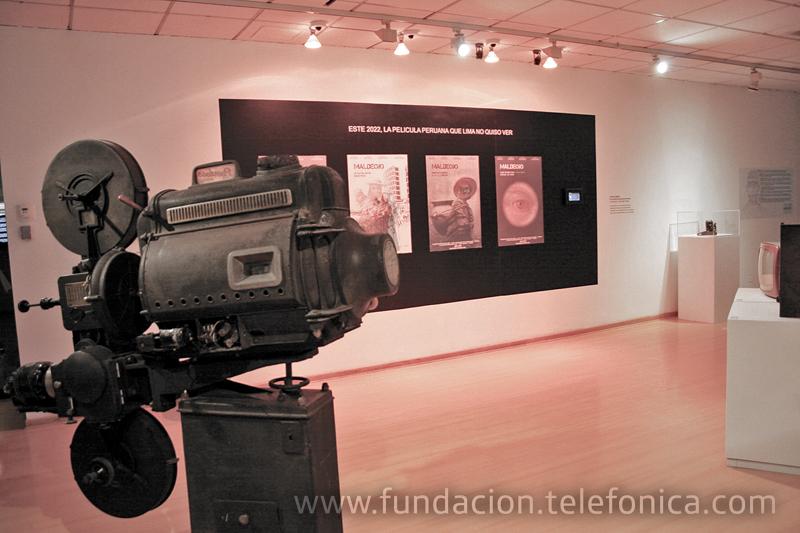 La muestra, organizada por Fundación Telefónica y Alta Tecnología Andina, rinde un homenaje a Marshall McLuhan en el centenario del nacimiento.