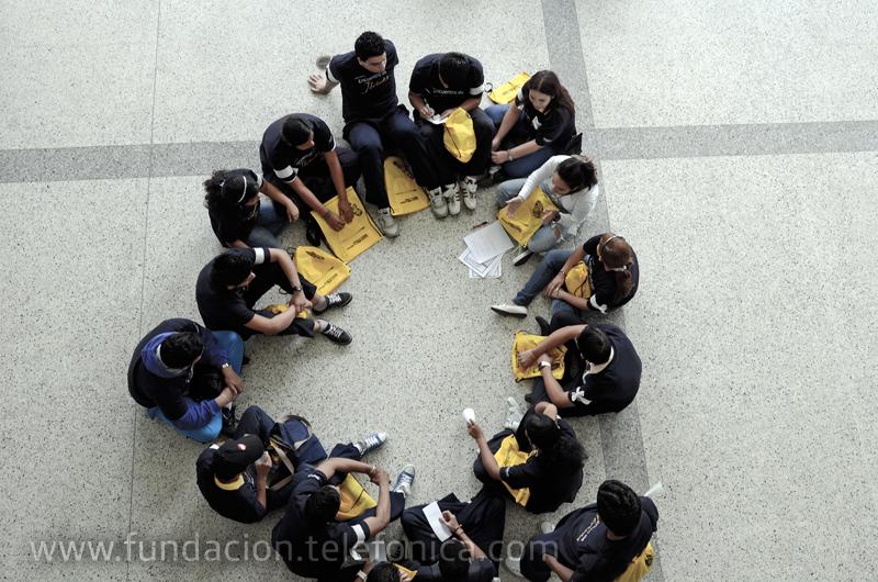 El objetivo del taller es que los participantes pueden elegir correctamente una carrera profesional o vocacional.