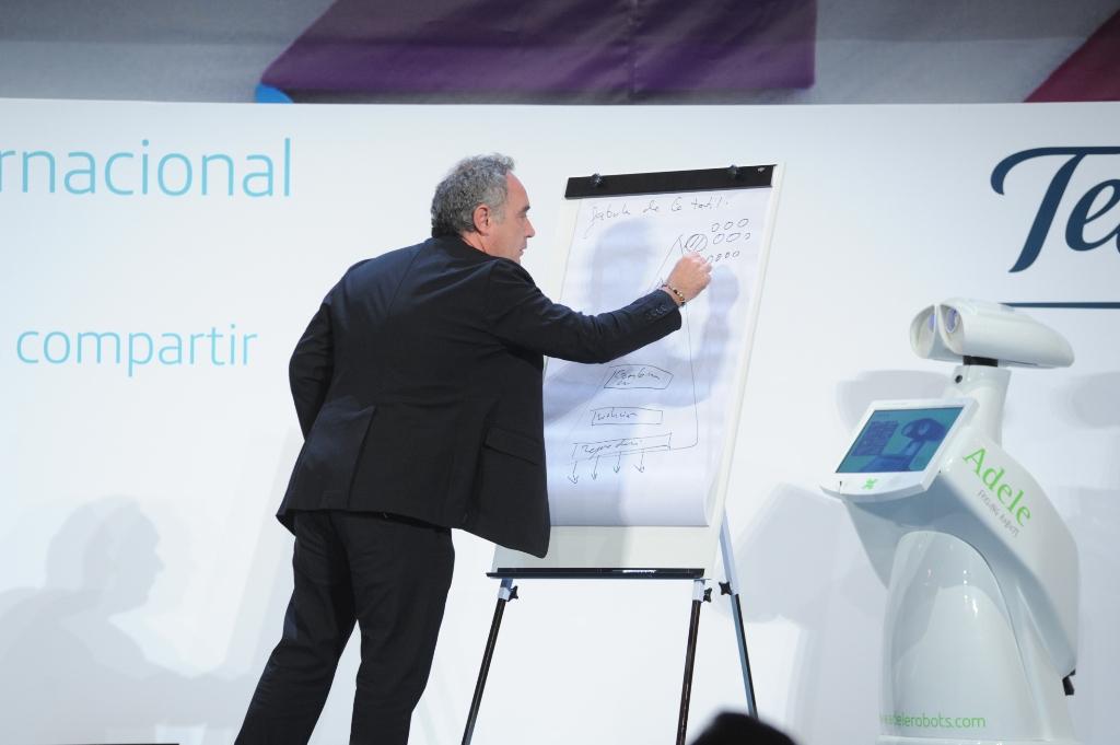 Ferran Adriá ha transmitido a los asistentes su pasión por la innovación.