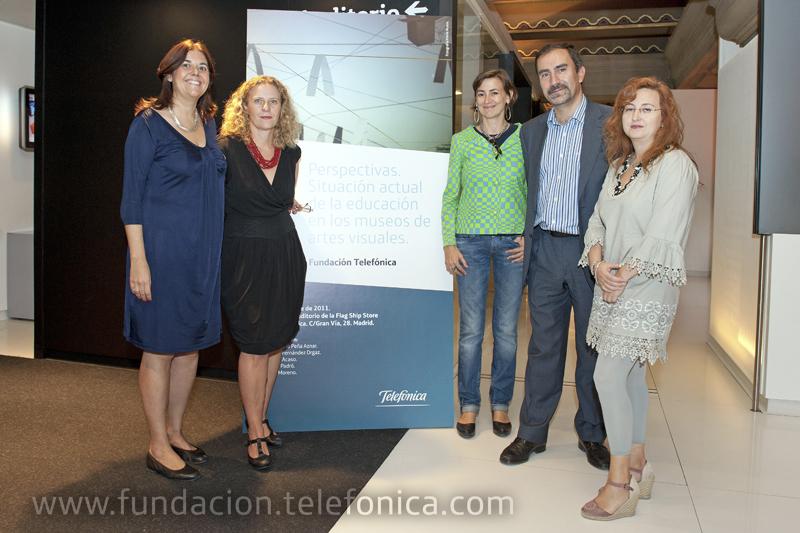 De izquierda a derecha, Carla Padró, Maria Acaso, Laura Fernández, José de la Peña, Ana Moreno.