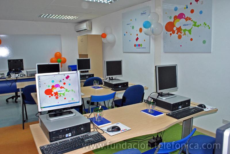 Fundación Telefónica cuenta con 40 aulas informáticas con tecnología de punta en diferentes ciudades de México.