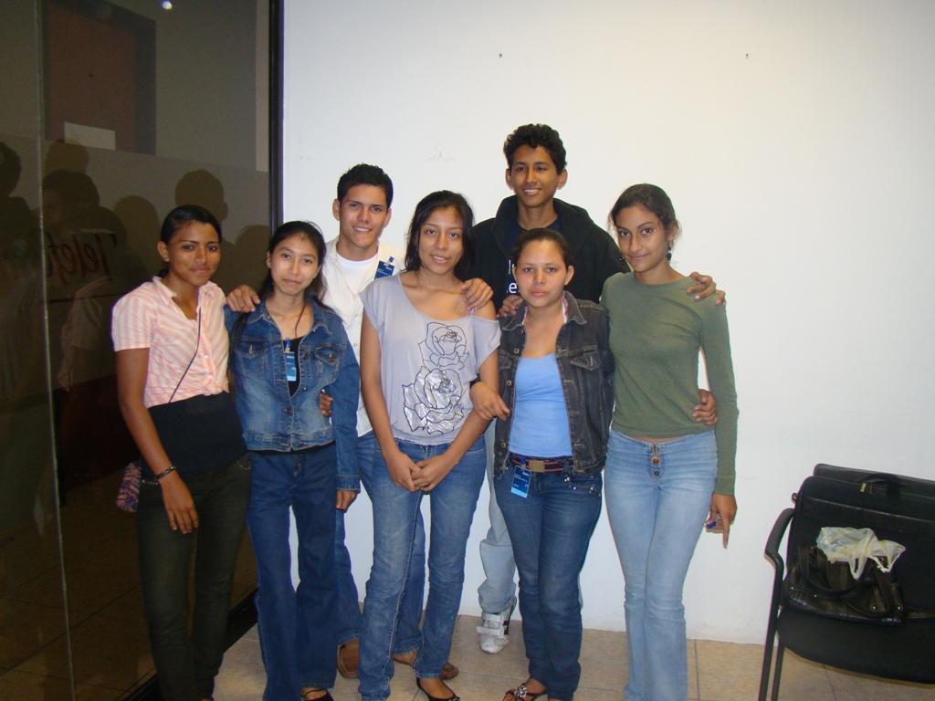 Once integrantes del programa, procedentes de distintas ciudades de Nicaragua, recibirán conocimientos básicos sobre marketing estratégico orientado a generar conocimiento sobre el mercado  y su entorno.