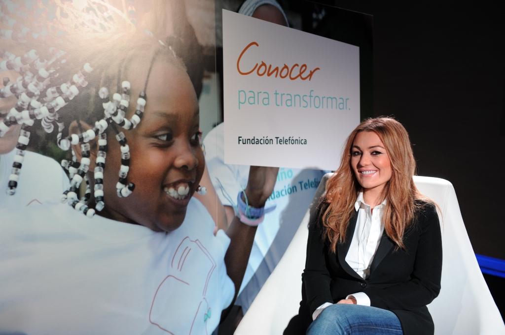 Amaia Montero es la primera Amiga de Proniño y colabora con esta iniciativa de Fundación Telefónica desde 2007.