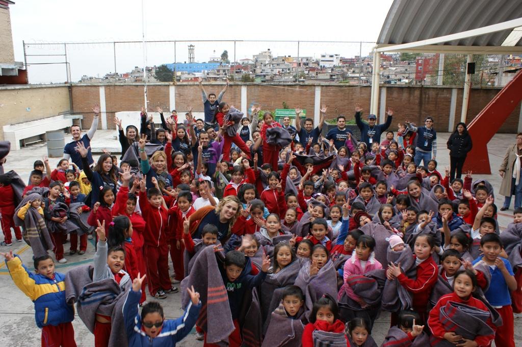 Los Voluntarios Telefónica celebraron el inicio de la Navidad con dos campañas solidarias