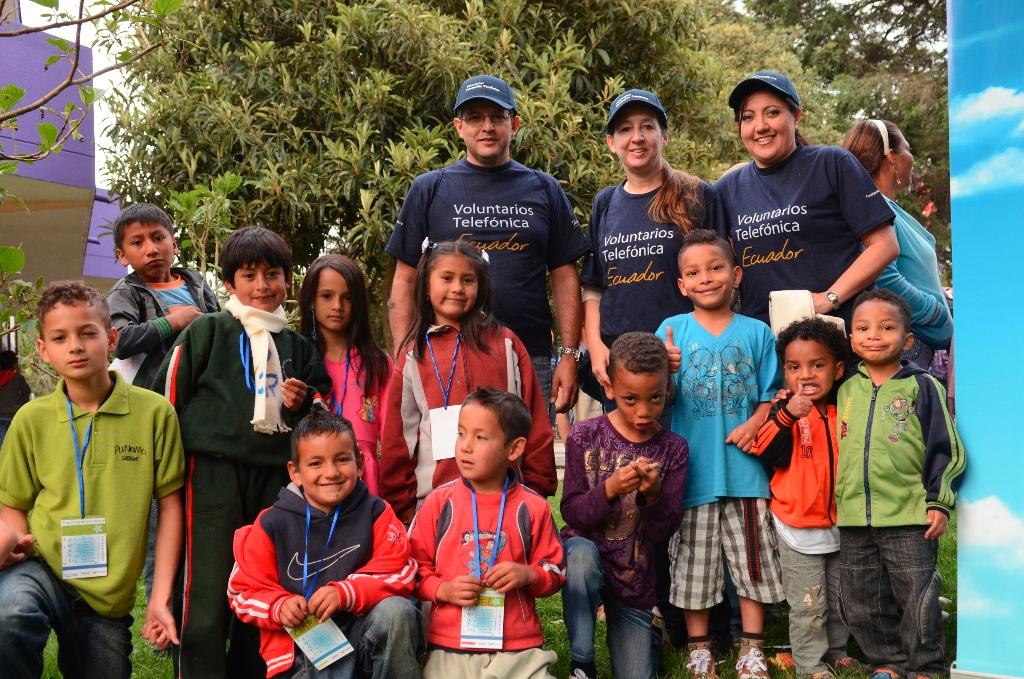 Más de 600 niños y niñas beneficiarios de Proniño en Ecuador celebraron la Navidad con los Voluntarios de Telefónica