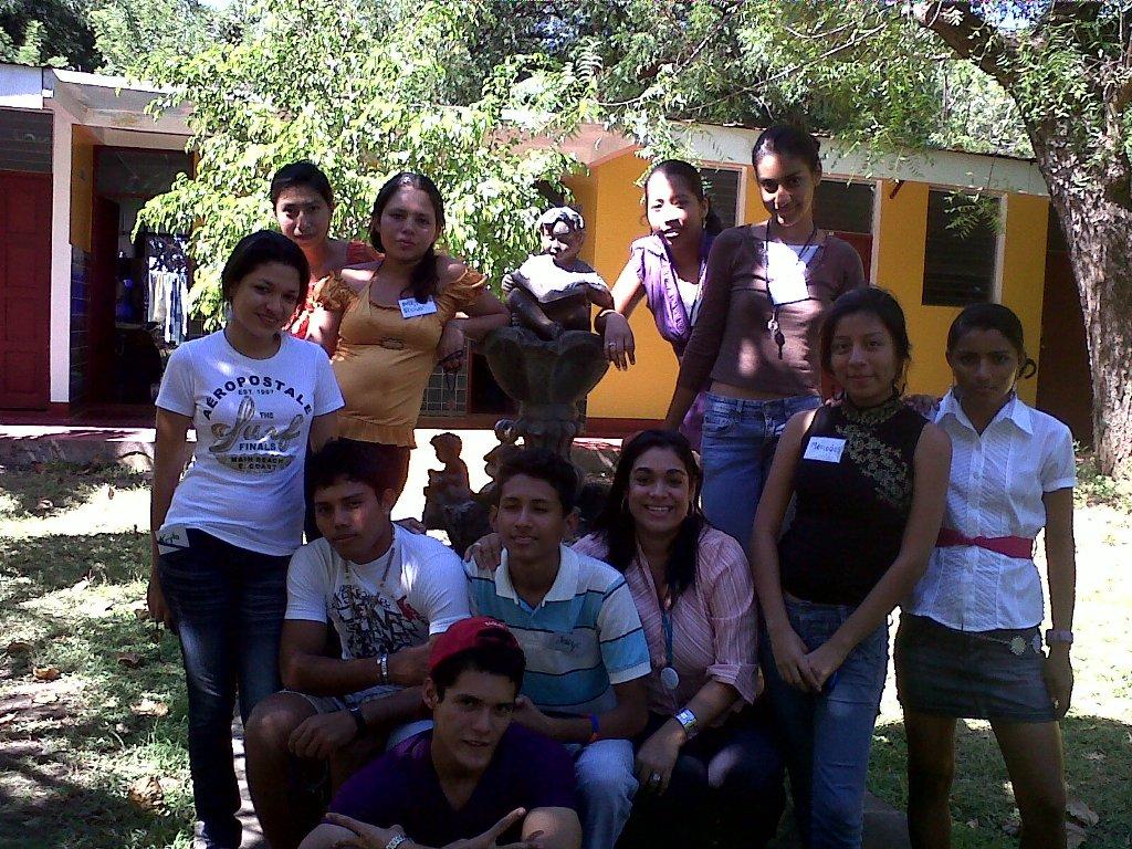 Durante doce horas, repartidas en dos jornadas, diez Jóvenes Fundación Telefónica recibieron información sobre cómo llevar a cabo un proyecto de emprendimiento.