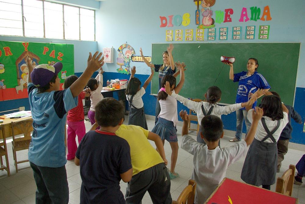"""El colegio 1223 """"Alto Perú"""" cuenta con una población infantil de 300 niños en sus dos turnos y en todos sus niveles."""