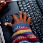 En la Escuela Oficial Rural Mixta de Xesampual se ha implementado un laboratorio de computación para mejorar la   preparación de los escolares.
