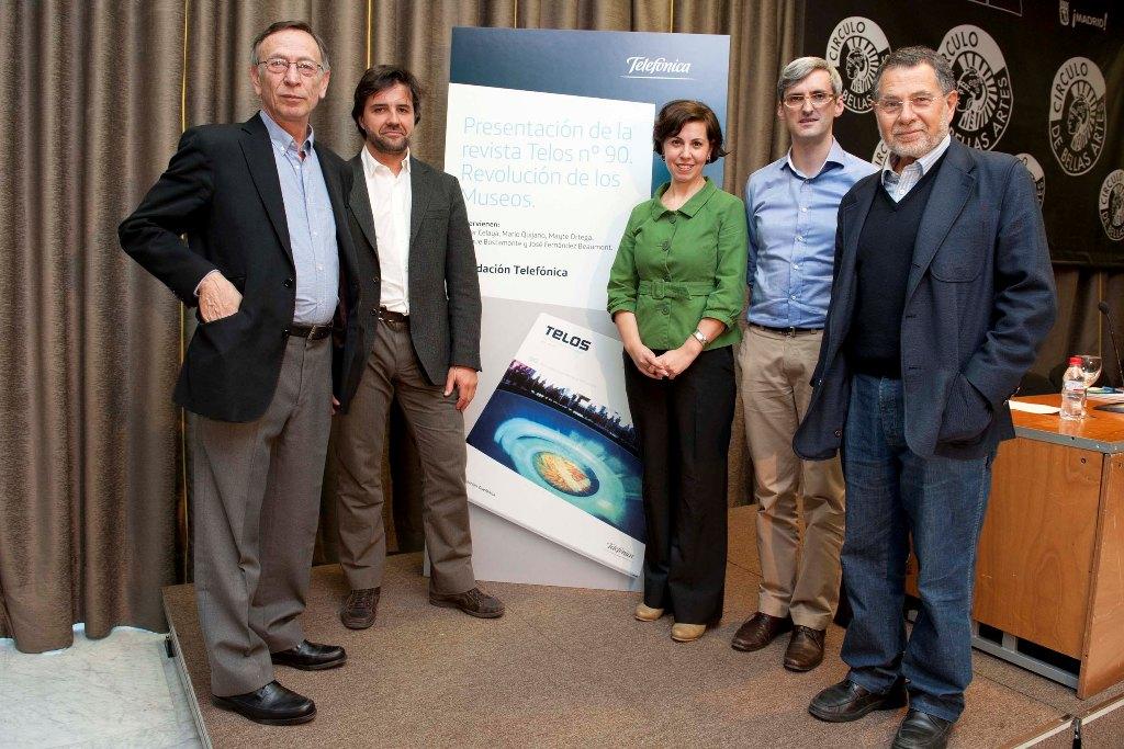 De izquierda a derecha, Enrique Bustamante, Jaime Solano, Mayte Ortega, Mario Quijano y José Fernández Beaumont.