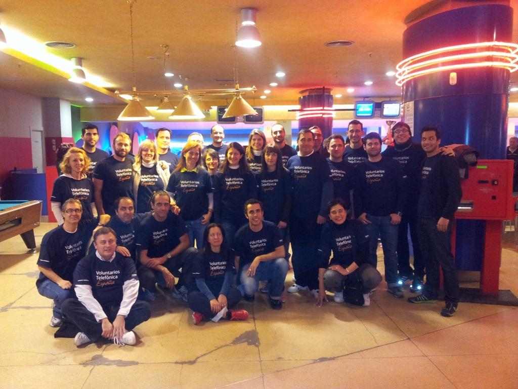 27 Voluntarios Telefónica apoyaron a más de 100 deportistas con Discapacidad Intelectual en la Final del Circuito  de Bowling