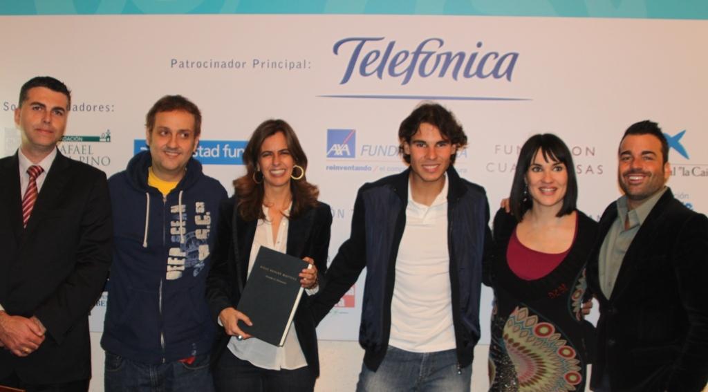 De izquierda a derecha, Aitor Ortega, Albert Espinosa, María Franco, Rafa Nadal, Irene Villa y Jaume Sanllorente.