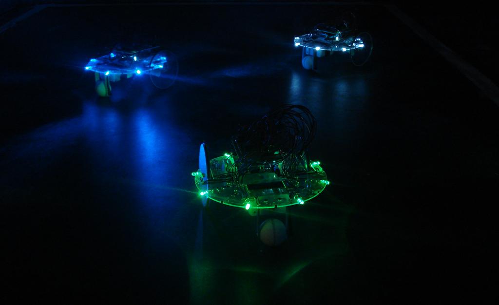 El Espacio Fundación Telefónica te invita a participar de cuatro jornadas dedicadas a la electrónica analógica,   la robótica y el arte
