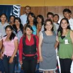 Jóvenes junto a personal de contratación de Atento y al representante de Jóvenes Fundación Telefónica Perú.