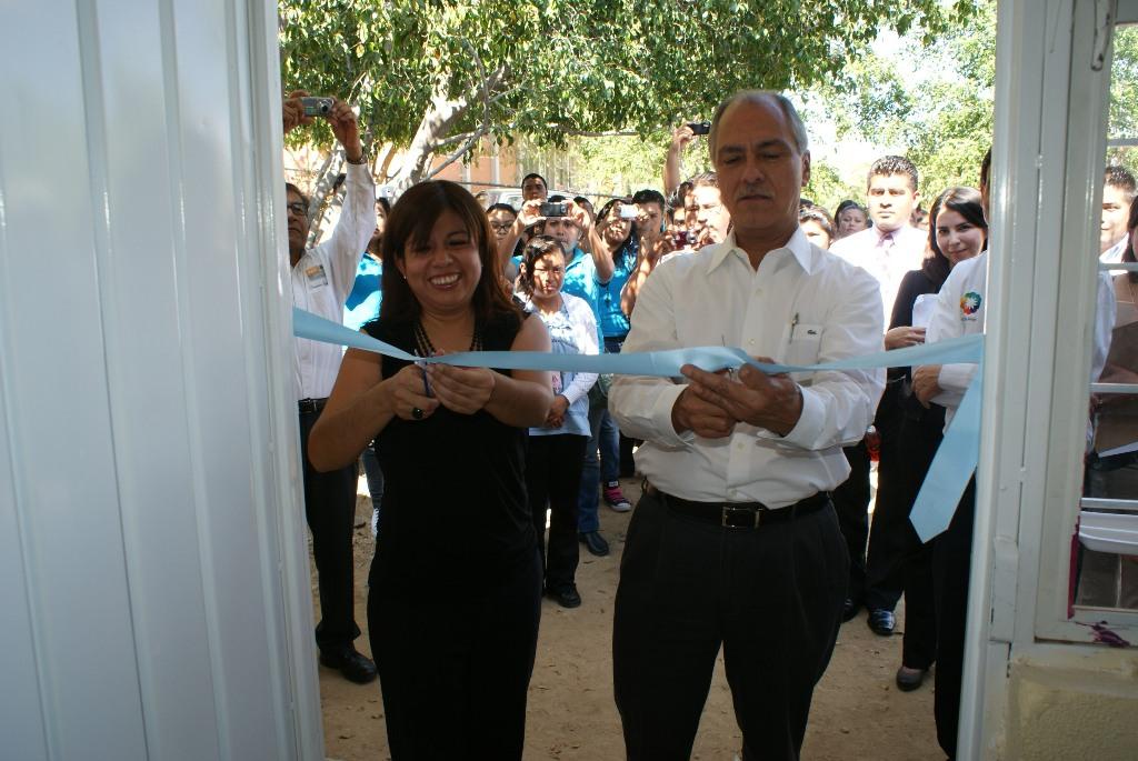 En las inauguraciones estuvieron presentes el Doctor Arturo Sáenz Ferral, Director General del CONAFE y Martha Cruz, Coordinadora de Calidad Educativa de Fundación Telefónica.