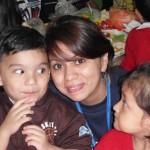Los Voluntarios disfrutan de momentos gratos con sus niños.