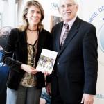 Marian Juste Picón, Directora de Voluntarios Telefónica y Ken Allen, autor del libro