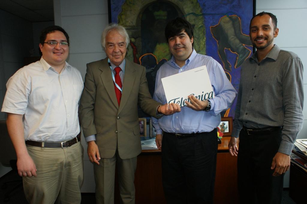 De izquierda a derecha, José Manuel Delgado coordinador adjunto de Obra para CEDRO; Alejandro Vassilaqui, director ejecutivo de CEDRO; Mario Coronado, director de Fundación Telefónica en Perú y Diego Urbina, responsable de Jóvenes Fundación Telefónica.