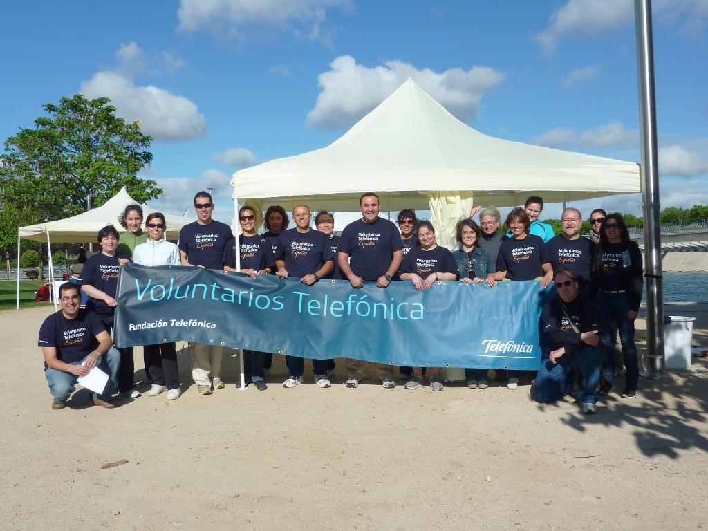 Los voluntarios del Grupo Telefónica, que gestiona Fundación Telefónica, y la Fundación También organizaron una mañana de deporte y solidaridad.