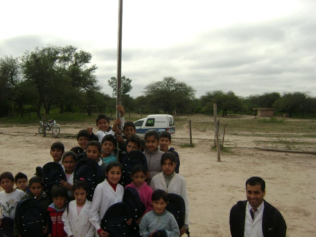 En su décima edición, la campaña permitió adquirir 5.500 kits escolares, que están siendo distribuidos en diferentes regiones a lo largo y ancho de Argentina.