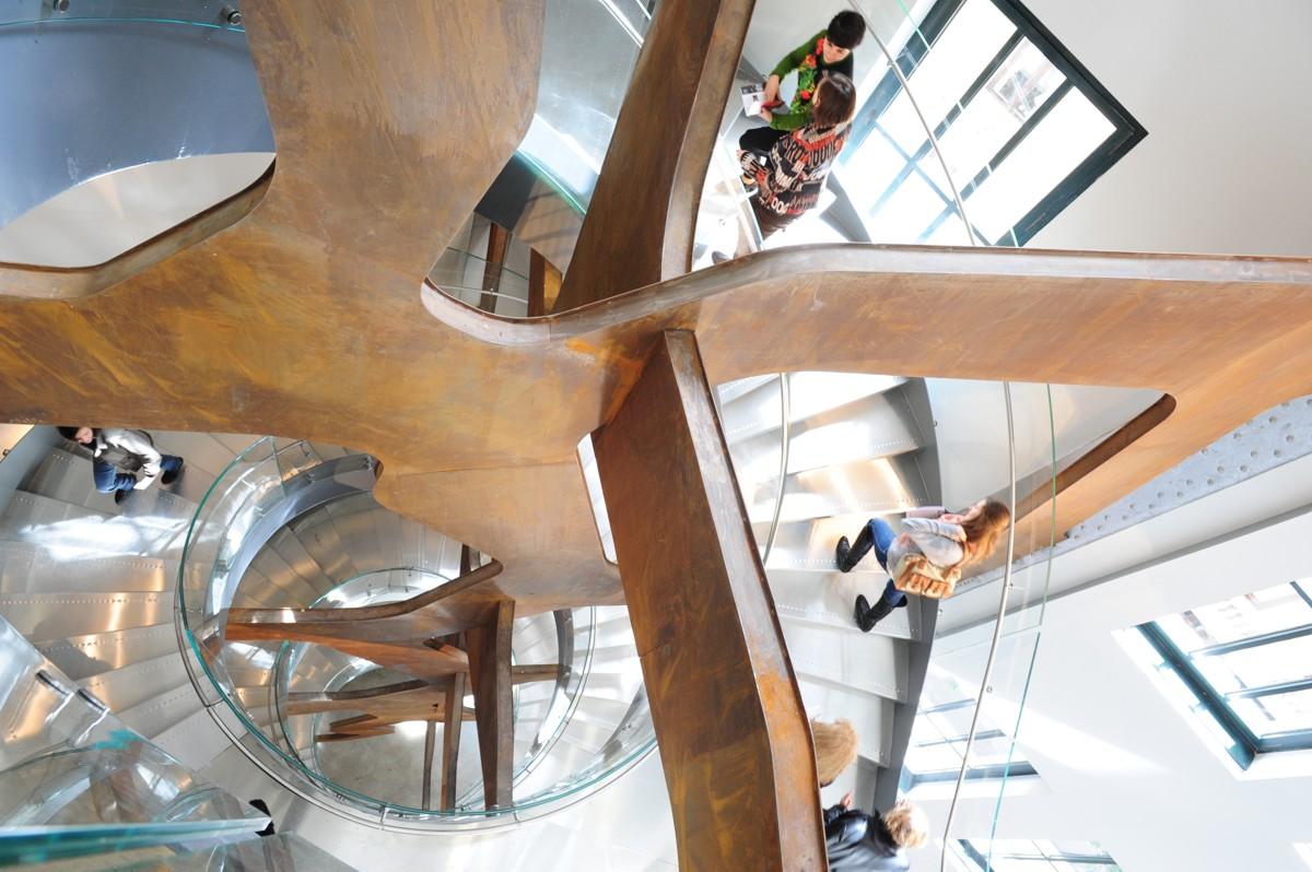 la escalera del Espacio Fundación Telefónica.