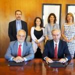 El acuerdo entre ambas entidades fue suscrito por Javier Nadal, vicepresidente ejecutivo de Fundación Telefónica y Álvaro Marchesi, secretario general de la Organización de Estados Iberoamericanos para la Educación, la Ciencia y la Cultura (OEI). En la foto con diferentes representantes de la OEI y Fundación Telefónica.