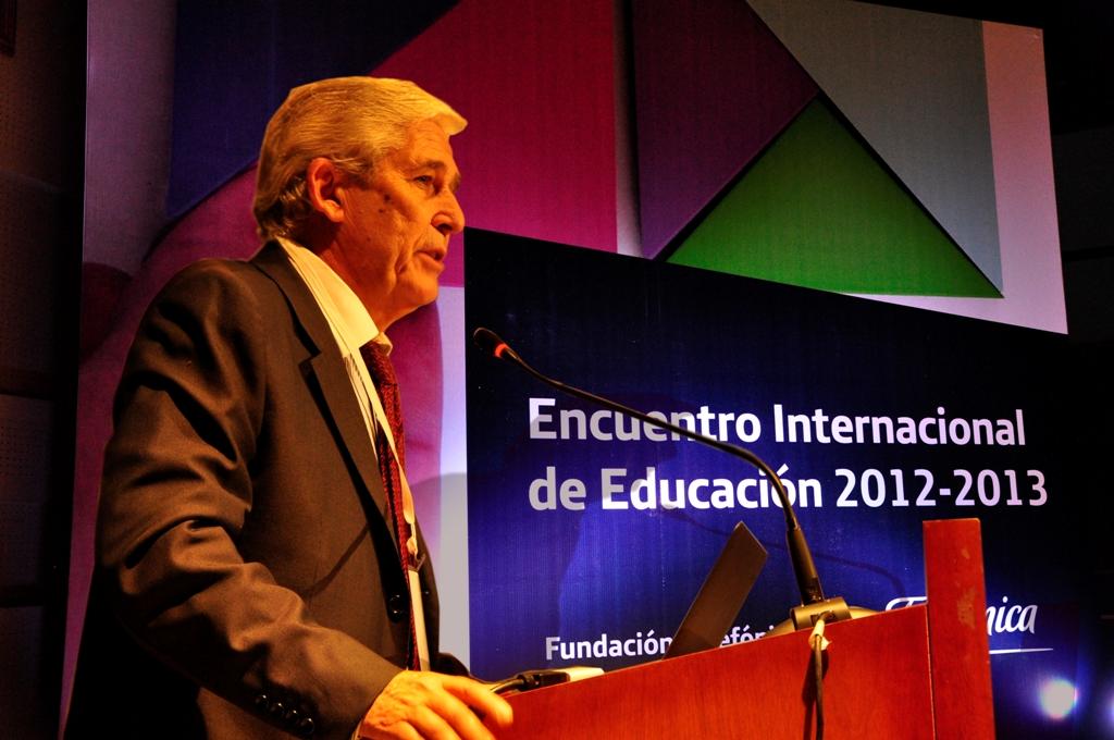José Luis Rodríguez Zarco, director general de Relaciones Institucionales y Comunicación del Grupo Telefónica en Argentina, durante su intervención en el evento.