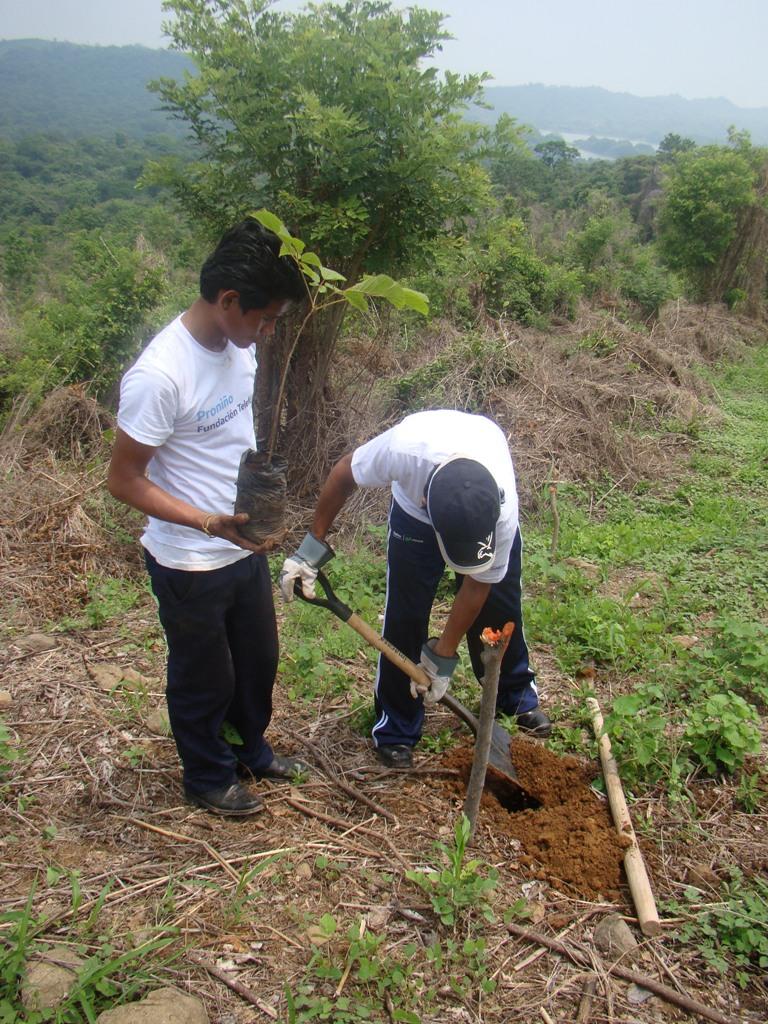 A la actividad también asistieron niños y niñas beneficiadas por el Programa Proniño de Fundación Telefónica.