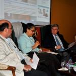 El panel de expertos compuesto por los especialistas: Mariano Herrera, Josefina Bruni Celli y Guillermo Rodríguez Matos.