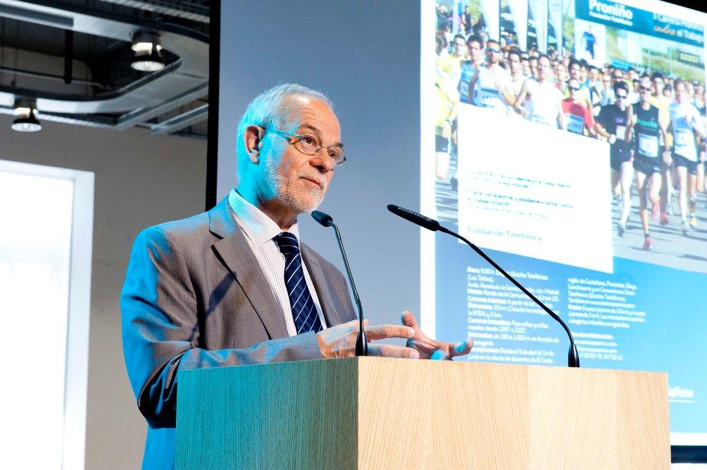 Javier Nadal, vicepresidente ejecutivo de Fundación Telefónica, durante la presentación de la III Carrera Proniño.