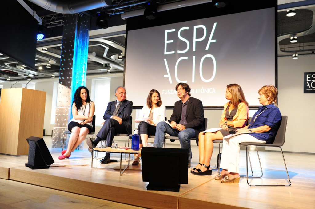 De izquierda a derecha, Carmen González, E3; Pedro Pérez, FAPAE; Susana de la Sierra, ICAA; José Garasino, Academia del Cine; Cristina Tresserres, OETI y Conchita López, Tribu 2.0.