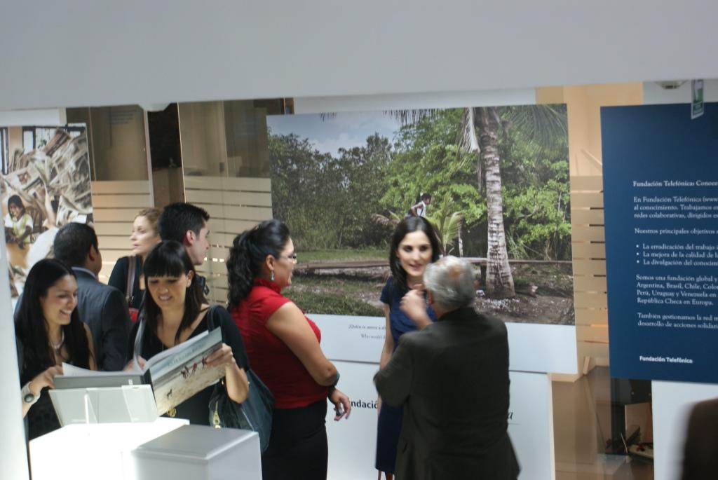 La obra se exhibirá en el Centro de Experiencia Movistar del Distrito Federal, del 4 de septiembre al 4 de octubre de 2012 y posteriormente, en Puebla y Guadalajara.